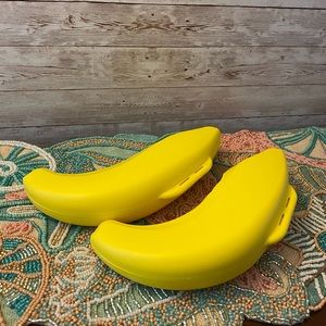 2 Tupperware Banana Savers